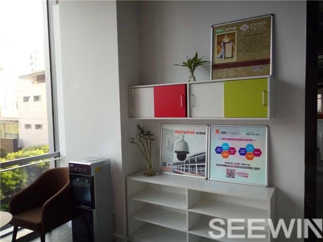 辦公家具桌面屏材質的選擇