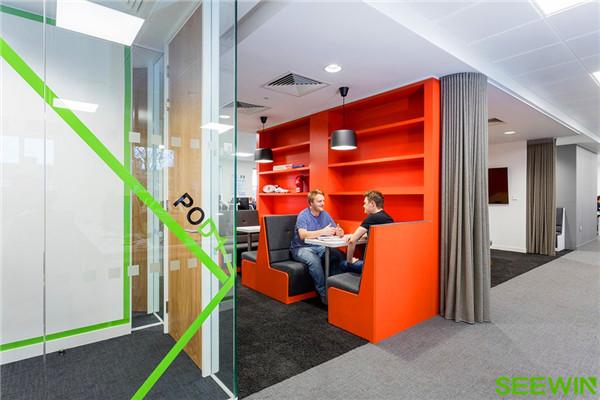 打造一個促進員工滿意度和工作士氣的創新空間
