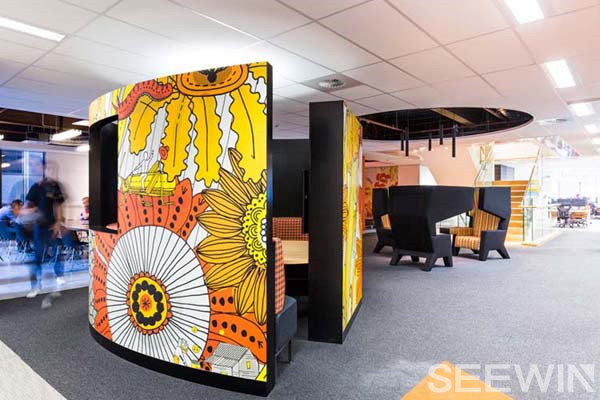 創意與涂鴉辦公環境,打造充滿歡樂的銀行呼叫中心