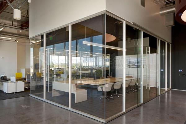 如何根據空間大小完成辦公家具設計?